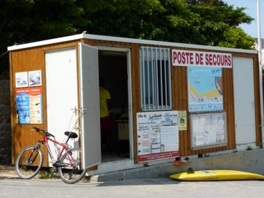 Le poste de secours de la grande plage